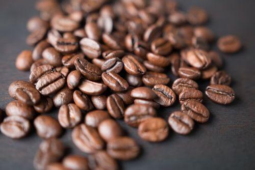 コーヒーは1日3~4杯飲むと死亡リスクが下がる